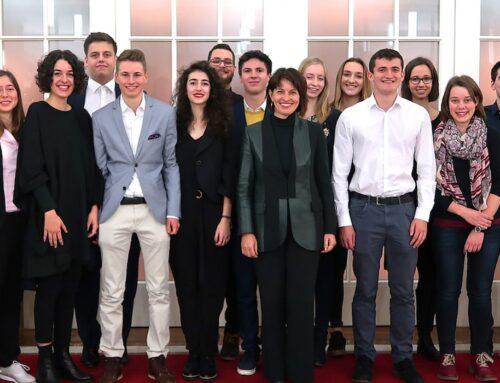 Doris Leuthard, présidente de la Confédération, accueille de jeunes scientifiques suisses